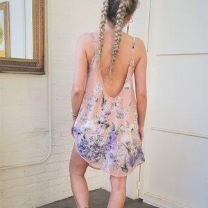 ❌SOLD❌ Backless Floral Shift Dress NWOT